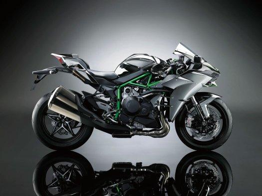 2015-Kawasaki-Ninja-H2-002