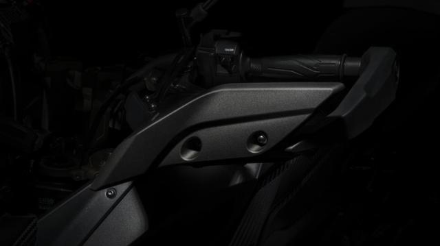 2015-Yamaha-MT09-Tracer-EU-Matt-Grey-Detail-008