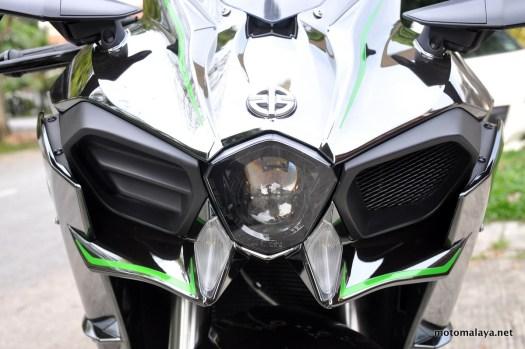 Kawasaki-H2-close-up-009