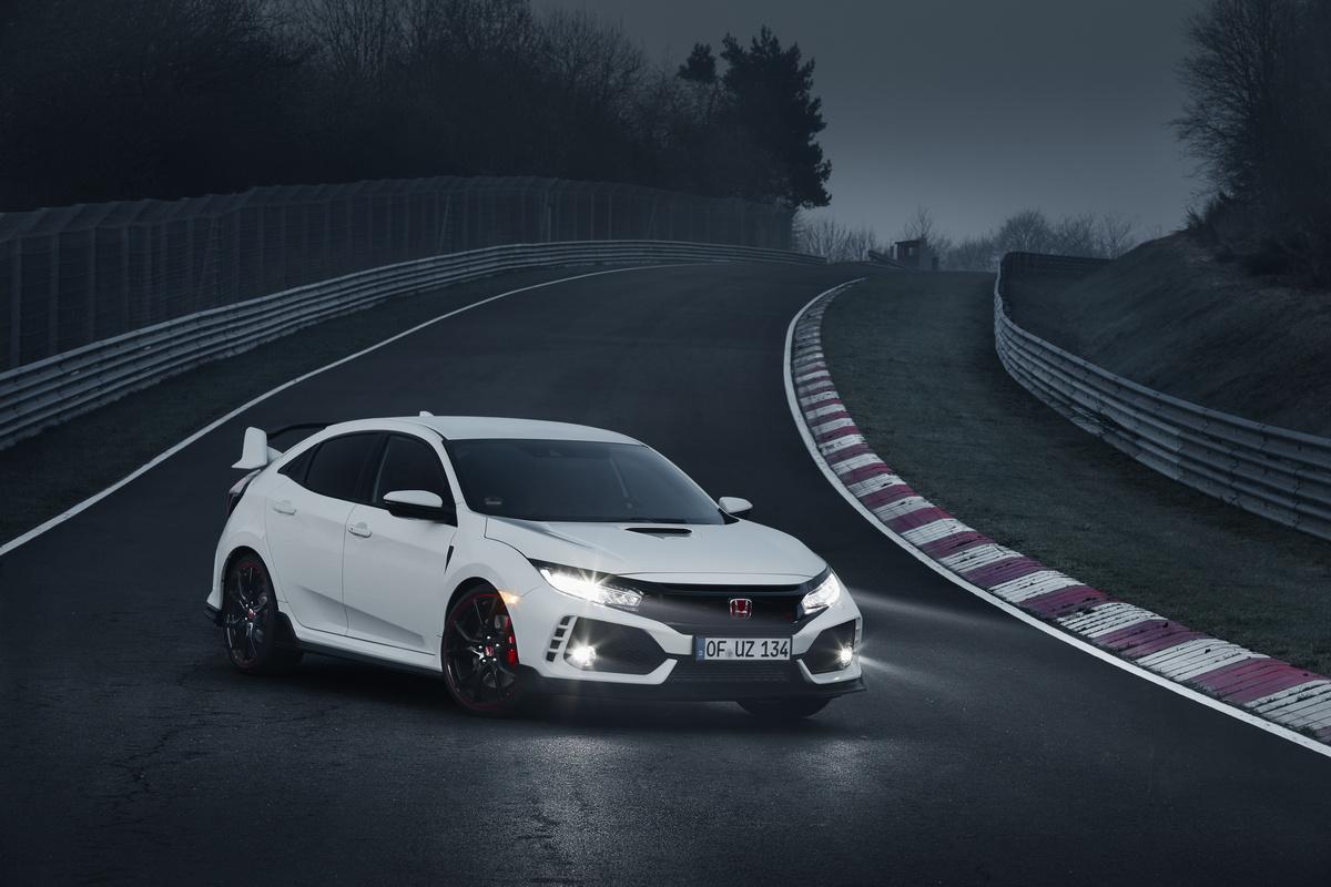2017 Honda Civic Type R menetapkan rekod pusingan bagi pacuan roda hadapan di Nürburgring - 7min 43.8saat