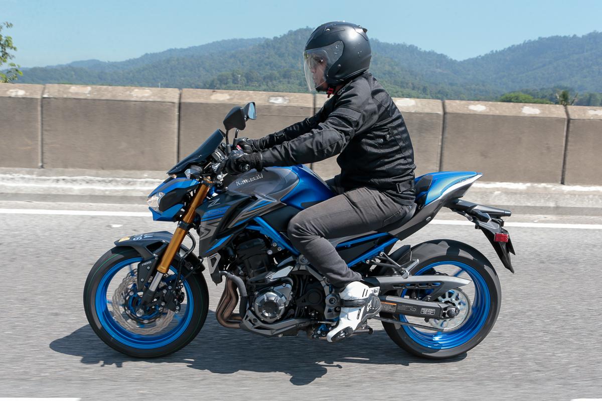 Tunggang Uji: 2017 Kawasaki Z900 ABS & 2017 Kawasaki Versys-X 250