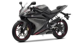 2012-Yamaha-YZF-R125-EU-Matt-Grey-Studio-007