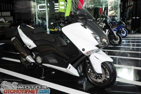 showroom-MOGE-yamaha-2