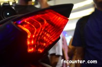 r25_rear-lamp_02