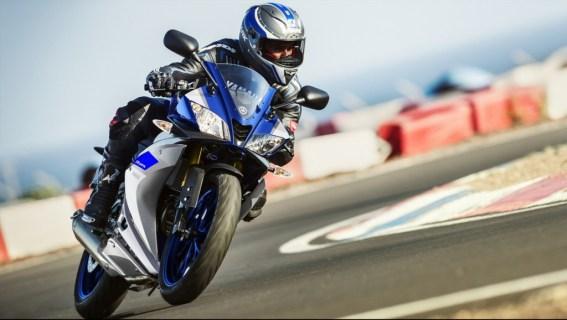 2016-Yamaha-YZF-R125-Race-Blu-fncounter3