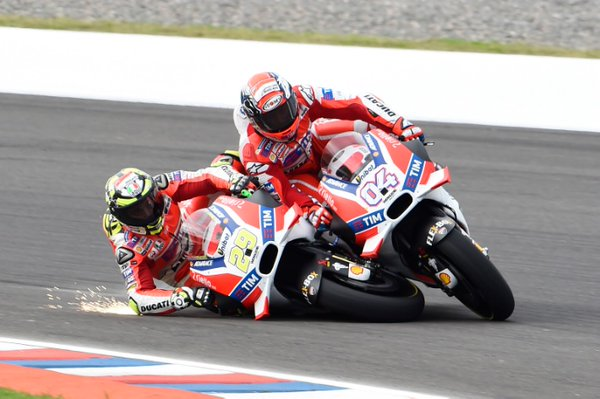 iannone crash with dovi gp argentina 2016
