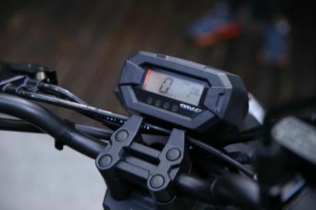 beat-street-digital-speedometer