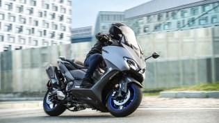 2020-Yamaha-TMAX-560-scooter-motomaxone (1)