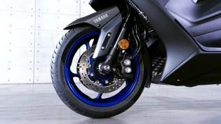 2020-Yamaha-TMAX-560-scooter-motomaxone (9)