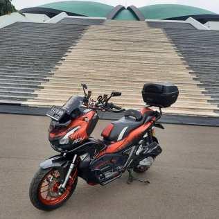 motomaxone modifikasi honda adv 150 1