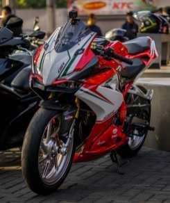 MotomaxoneBlog_honda cbr250rr tricolor ducati panigale (2)