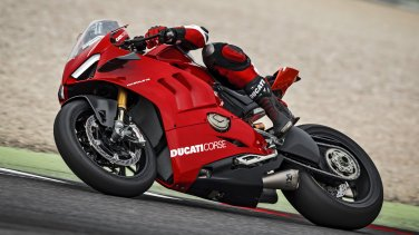 panigale-v4r-red-my19-ambience-06-gallery-1920x10802084384060.jpg
