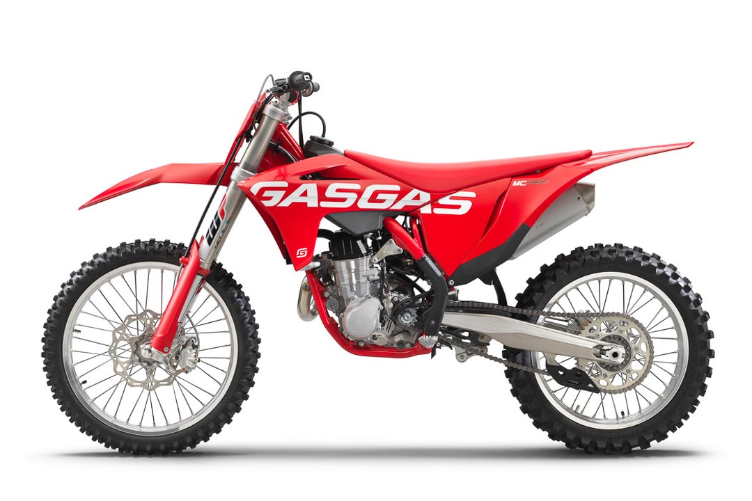 2021-GasGas-MC-450-F-First-Look-motocross-supercross-racing-motorcycle-2