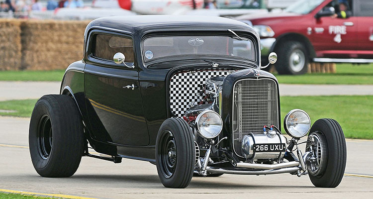 1932 Ford 3 Window Coupe Hot Rod (1)