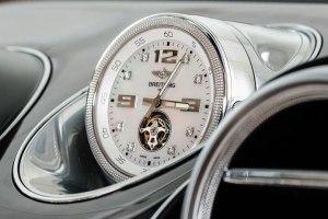 Bentley Bentayga clock FEATURE