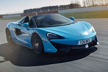 McLaren 720s Spider Track Pack front feature 2