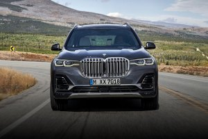 BMW's New Giant Grille feature
