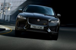 Jaguar F-PACE 20MY 300 SPORT feature