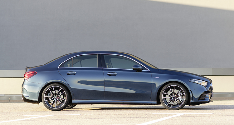 Mercedes-AMG A 35 4MATIC Saloon side 4