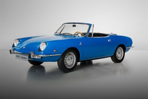 SEAT 850 Spyder at the Techno-Classica (feature)