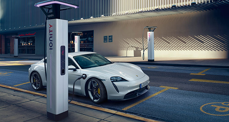Porsche's New All-Electric 761bhp Taycan Turbo S