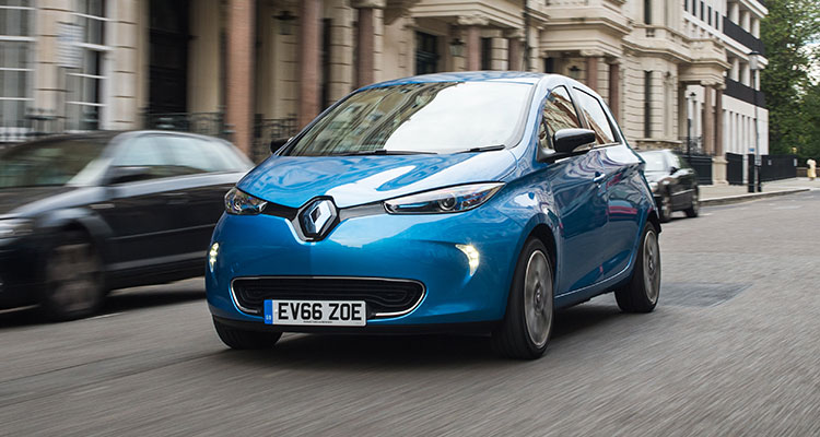 6 Cars With Awful Depreciation To Avoid - Renault Zoe (5)