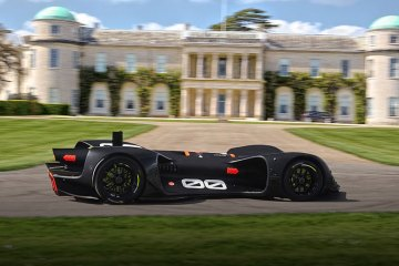Driverless Race Car Drives Straight Into Wall (feature)