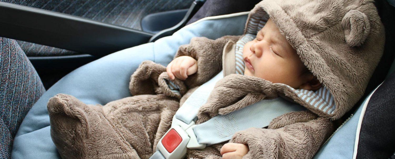 Resultado de imagen de bebe en coche