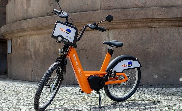 Tembici e Itaú Unibanco lançam projeto de bikes elétricas compartilhadas