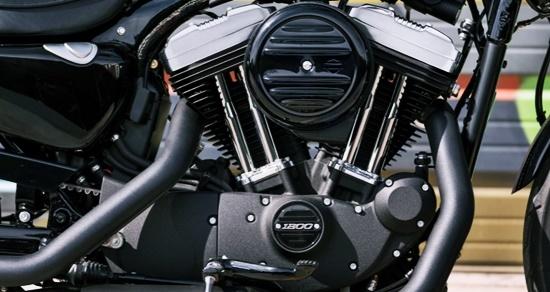 Harley-Davidson Sportster Iron 1200 Engine