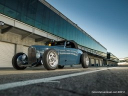 Tom-Gloys-32-Ford-Roadster-Wins-Hot-Rod-Of-The-Year-Blue-300x2251.jpg