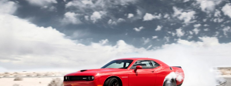Video of the 2015 Dodge Challenger's heart thumping 700+ HP