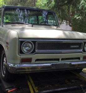 Someone Please Buy This 1971 International Harvester Travelall So We Don't Have To