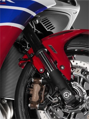 Honda_Fireblade_2014_43086