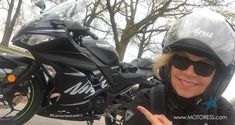 Kawasaki Ninja 300 ABS Winter Test Edition on MOTORESS