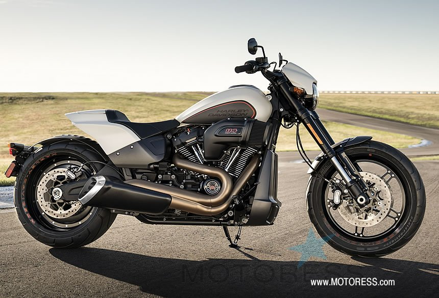Harley-Davidson FXDR 114 Dynamic Power Cruiser on MOTORESS