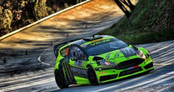 Rossi wint Monza Rally 2015