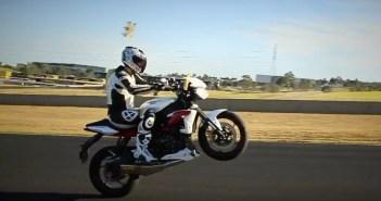 Hoe maak ik een wheelie motor
