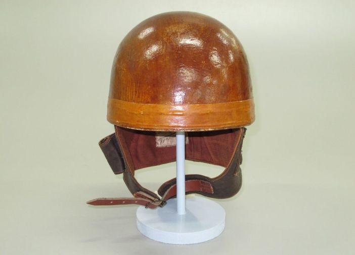 De Cromwell helm uit 1955