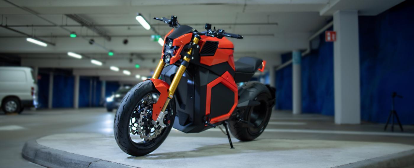 Verge - Hubless Electric Roadster Orange Panorama