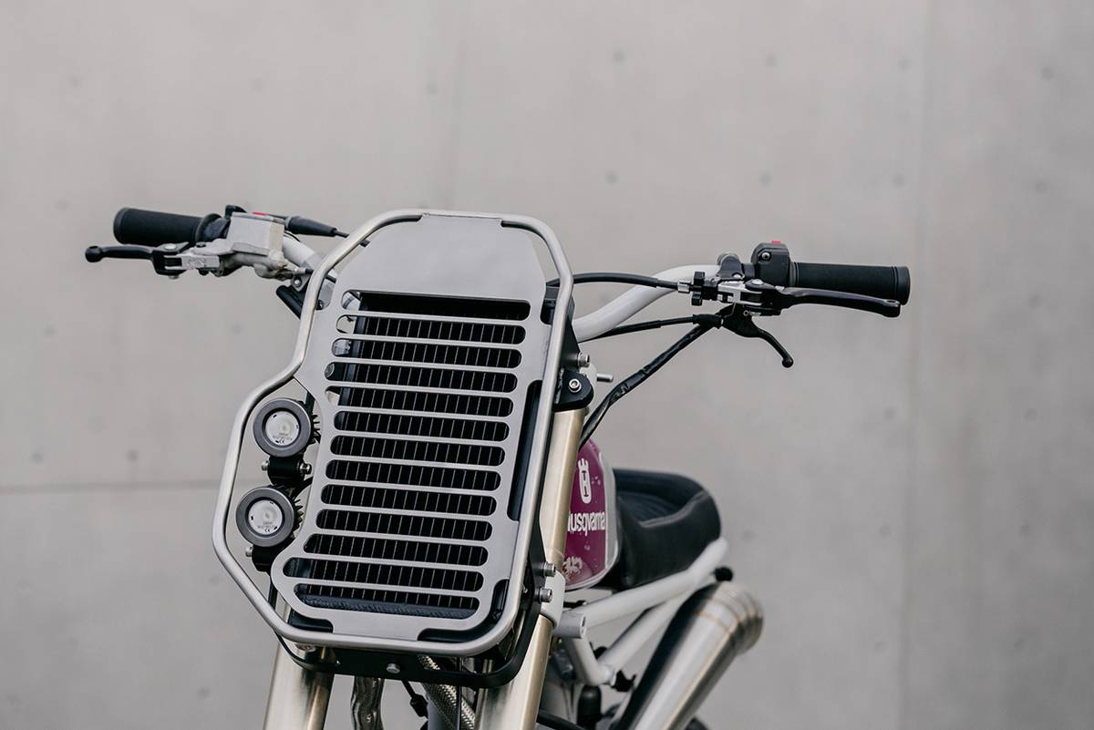 moto mucci husqvarna te570 custom önden görünüş