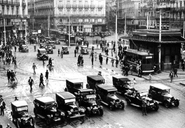 Puerta del Sol de Madrid en los 40