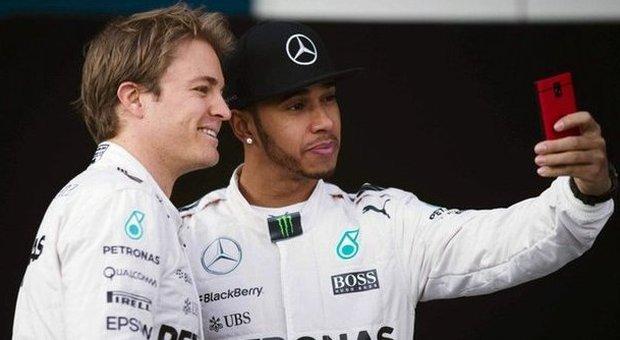 Hamilton-Rosberg, prove di pace in Barhain: Mercedes, «Non ci sono ordini  di scuderia»