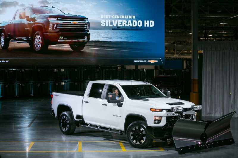 2020 Chevy Silverado Hd Can Now Tow 35 000 Pounds Motor Illustrated