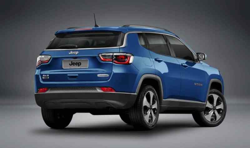 jeep-compass-longitude-rear-quarter-unveiled