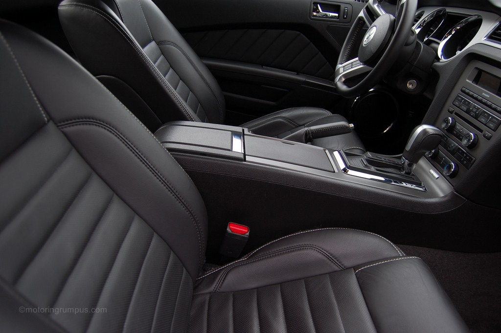 2013 ford mustang review motoring rumpus for 2013 ford explorer interior parts