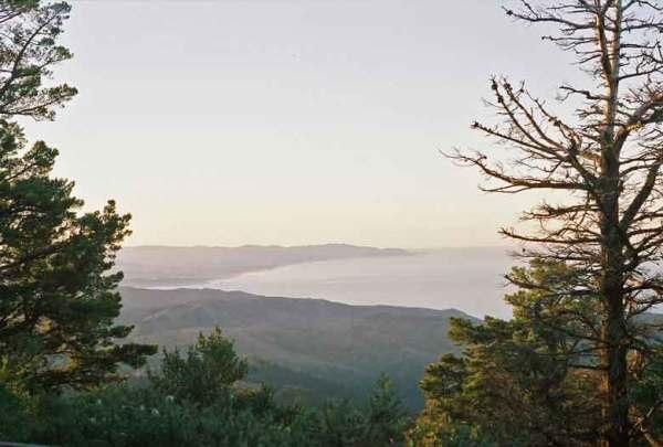 Blick auf die Pazifikküste vom Gipfel des Mt. Tam in Kalifornien