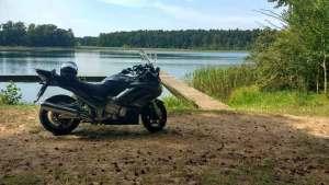 Mittagsrast auf Motorradtour am Muehlensee
