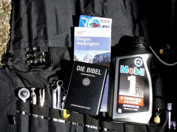 Tips für Solo Motorradfahrer: Werkzeugrolle mit verschiedenen Werkzeugen mitnehmen