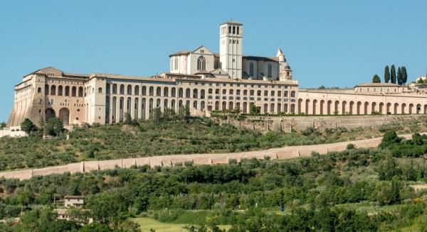 Basilica San Francesco in Assisi, besucht bei einer Motorradtour durch Umbrien